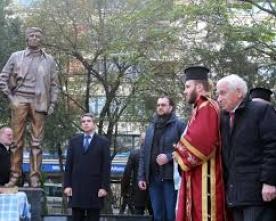 Скулпторът Данко Данков ни показа  Георги Марков като Митко Палаузов